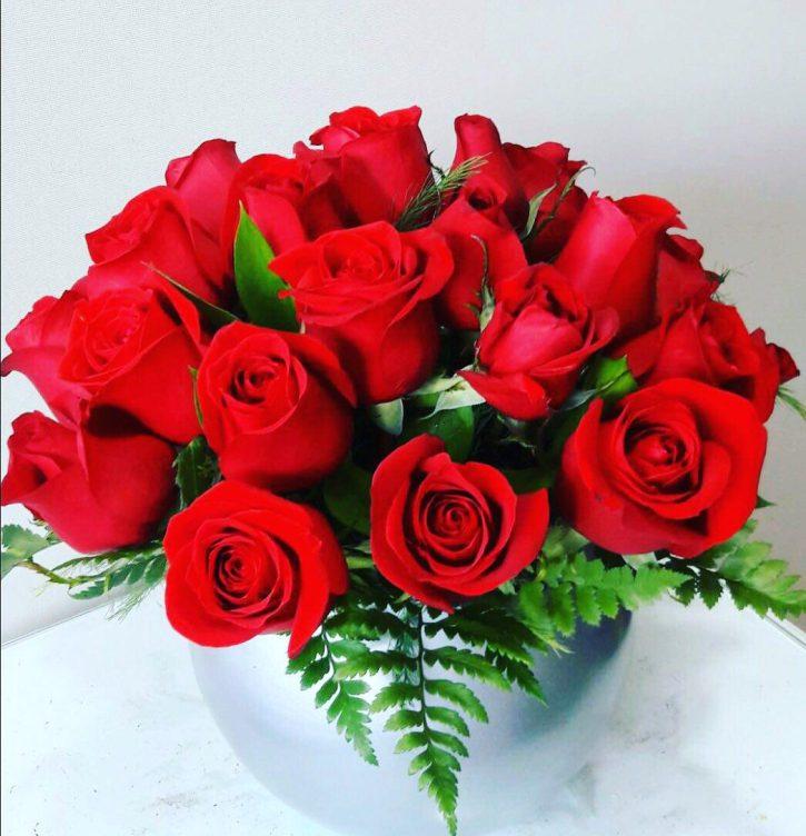 24 Rosas Rojas en Base Espejo