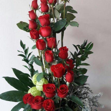 arreglo floral con 24 rosas S