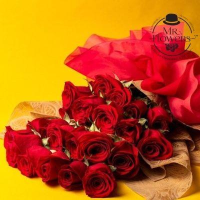 Ramo de 24 rosas rojas (2)