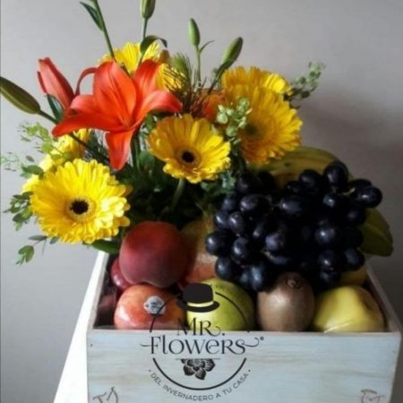 Caja cuadrada con frutal y detalle floral