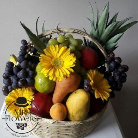 Canasta Frutal con 3 Gerberas